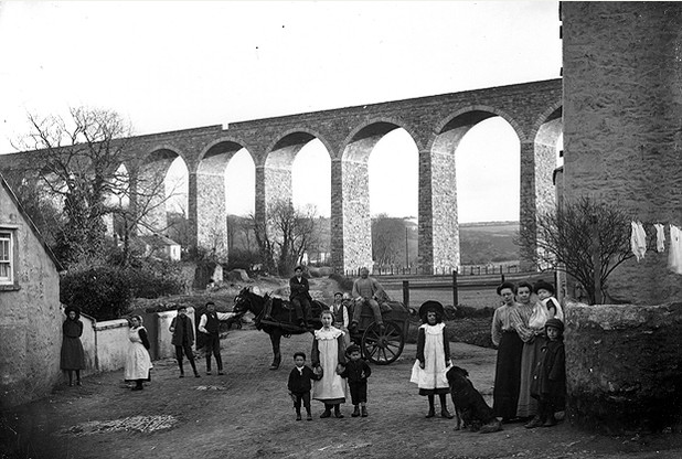 Families gathered beneath Angarrack viaduct in 1906